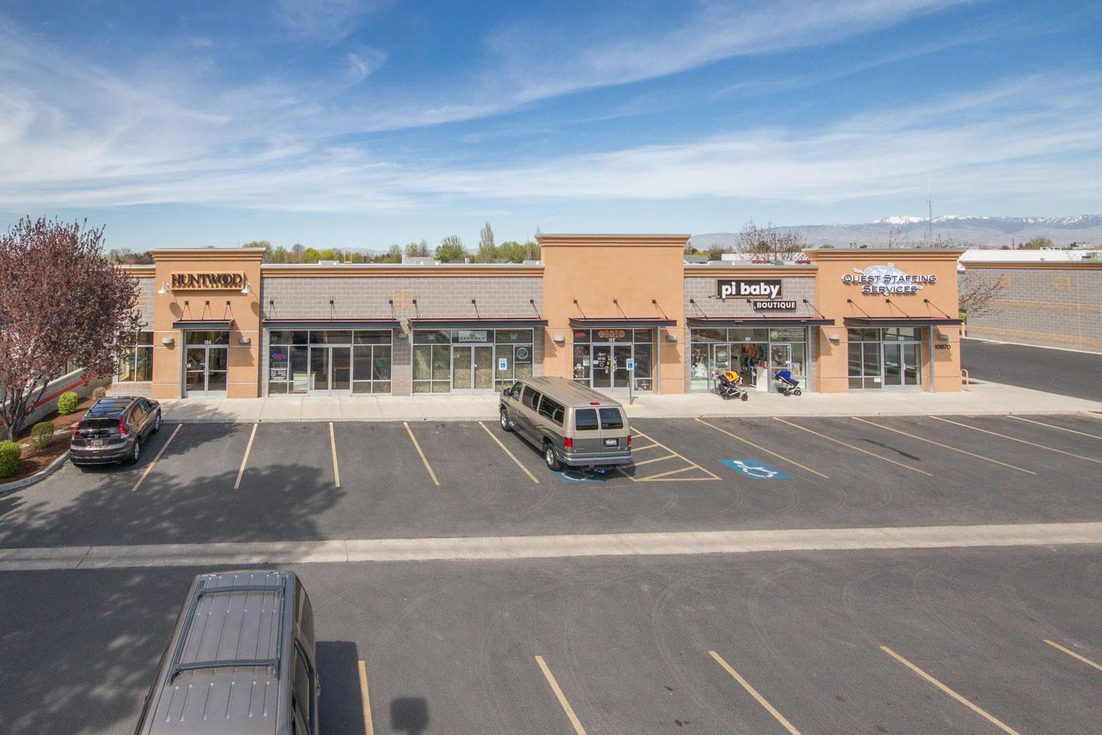 Pineview Plaza - Main Photo