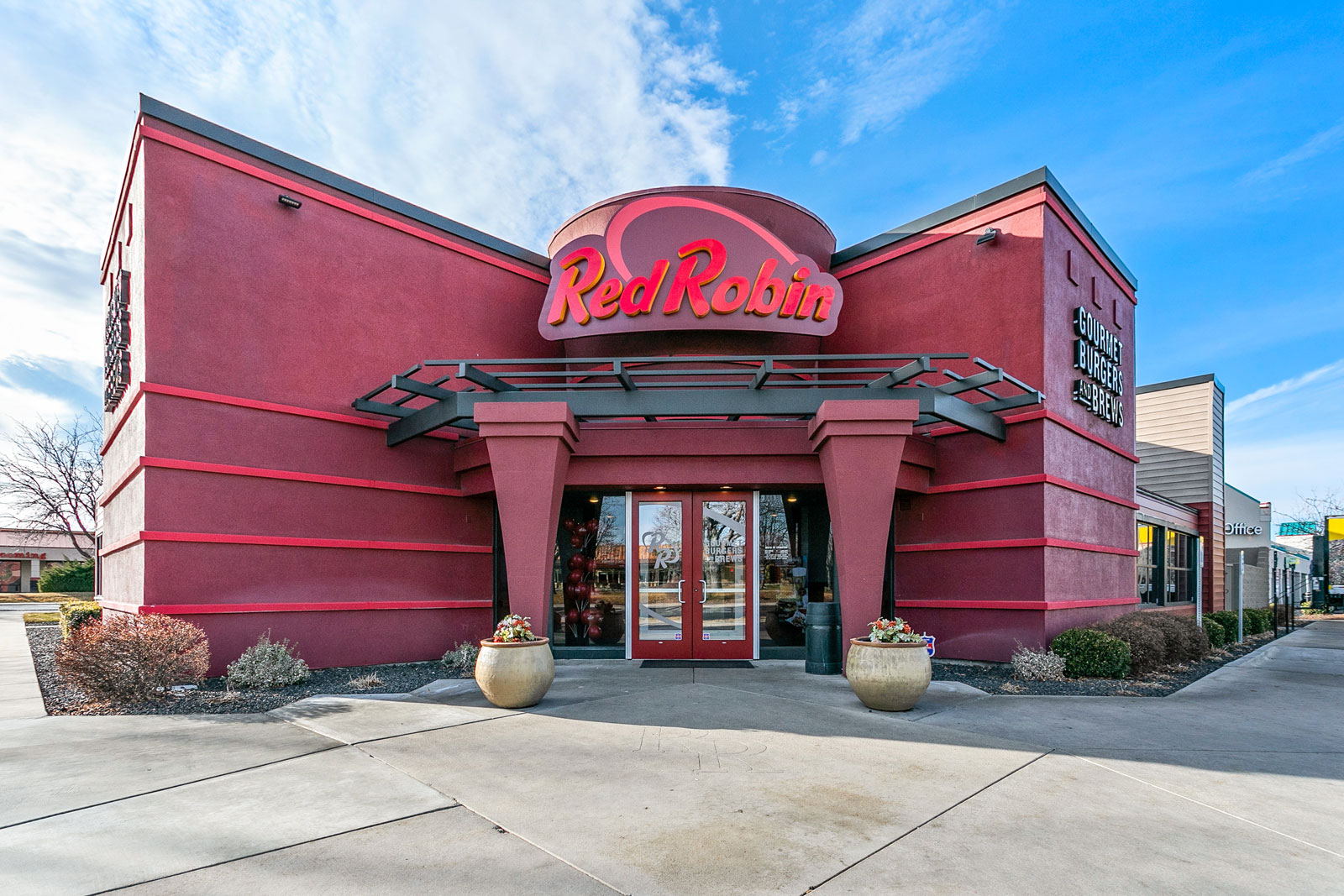 Red Robin Restaurant - Main Photo